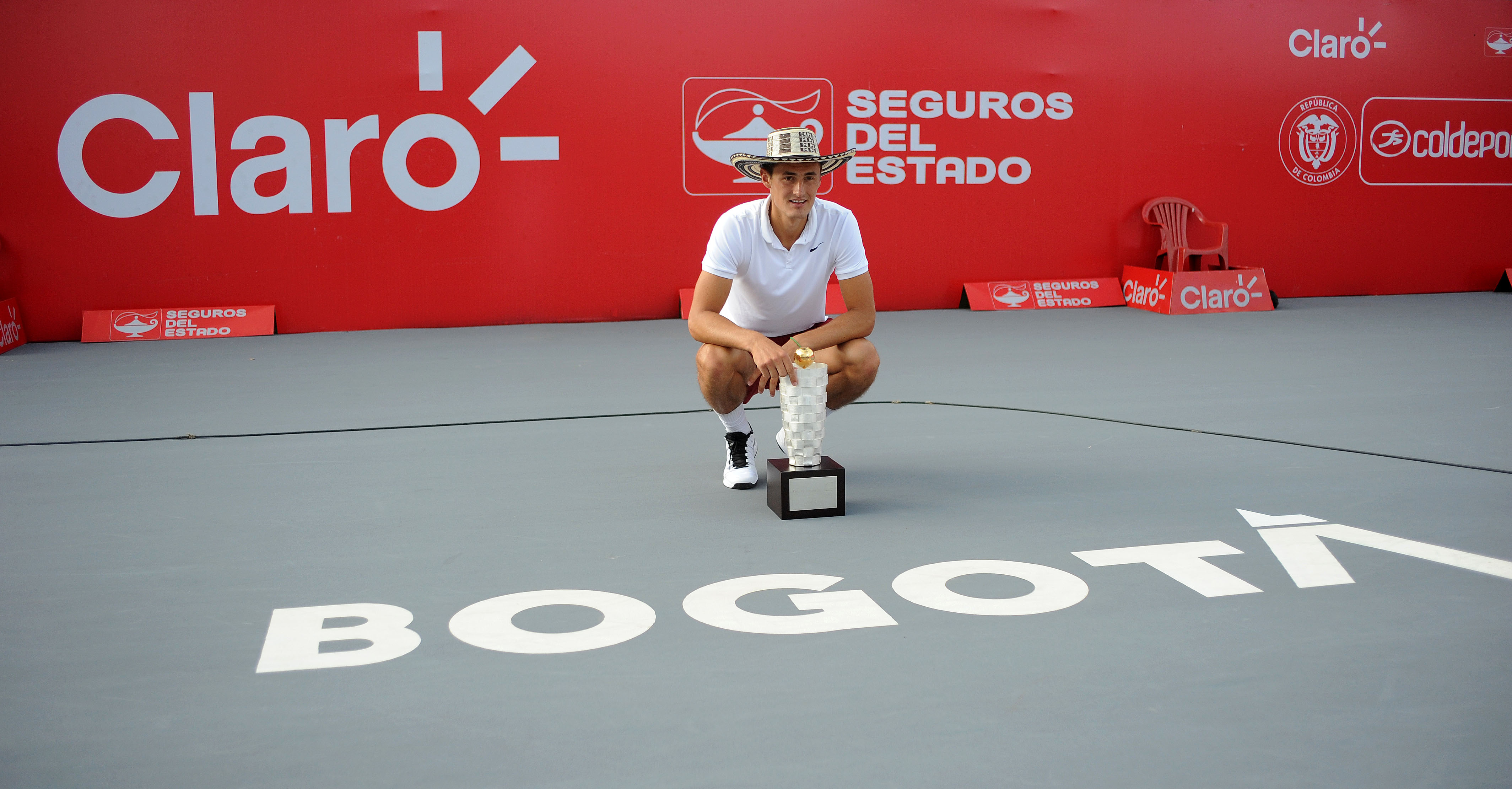 https://www.fedecoltenis.com/userfiles/ACTUALIDAD/A CLARO OPEN/martes 21/jueves/tomic.jpg